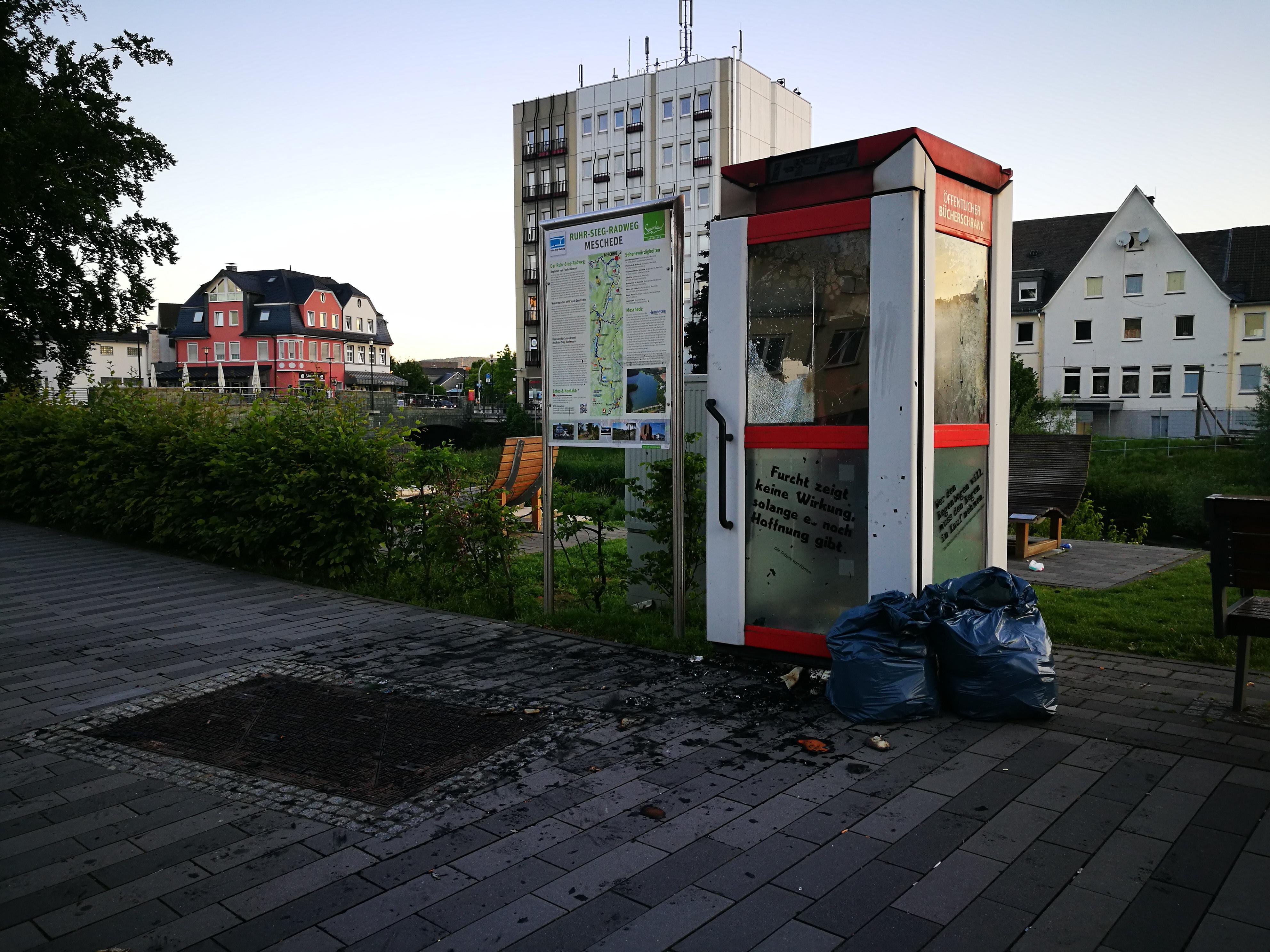 Stadt_Einsatzberichte_2019/Buecherzelle_Fritz-Honsel-Strasse.jpg