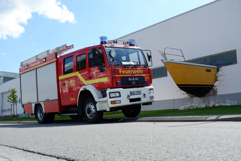 Das Löschgruppenfahrzeug auf dem Gelände der SQ - Yachts (ehemals Dehler-Yachtbau) in 2020