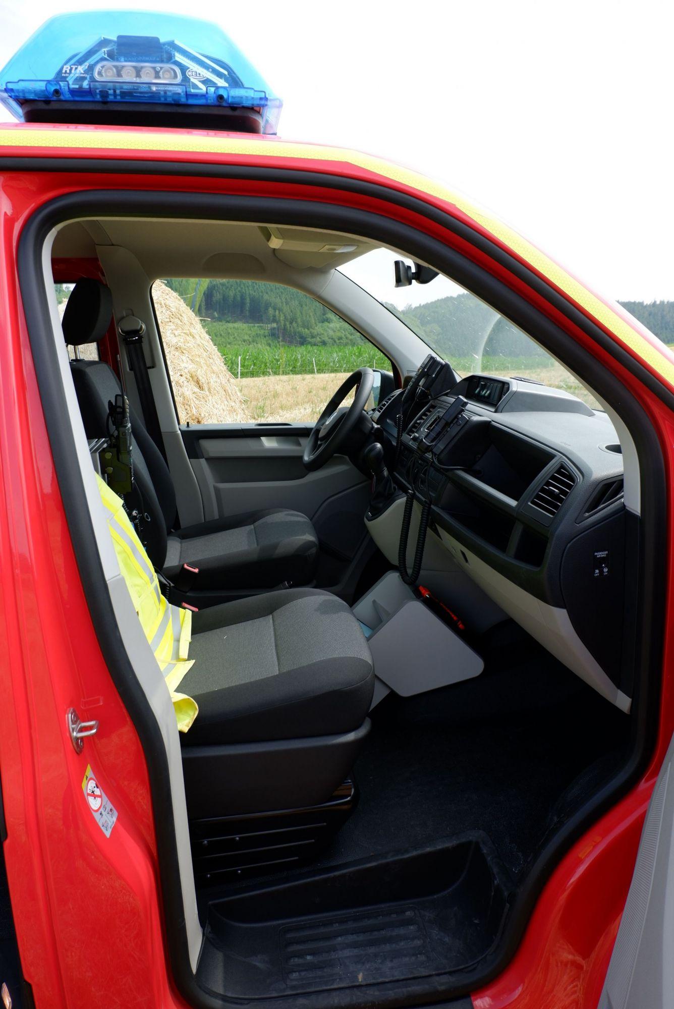 Blick in den Fahrer- / Beifahrerbereich