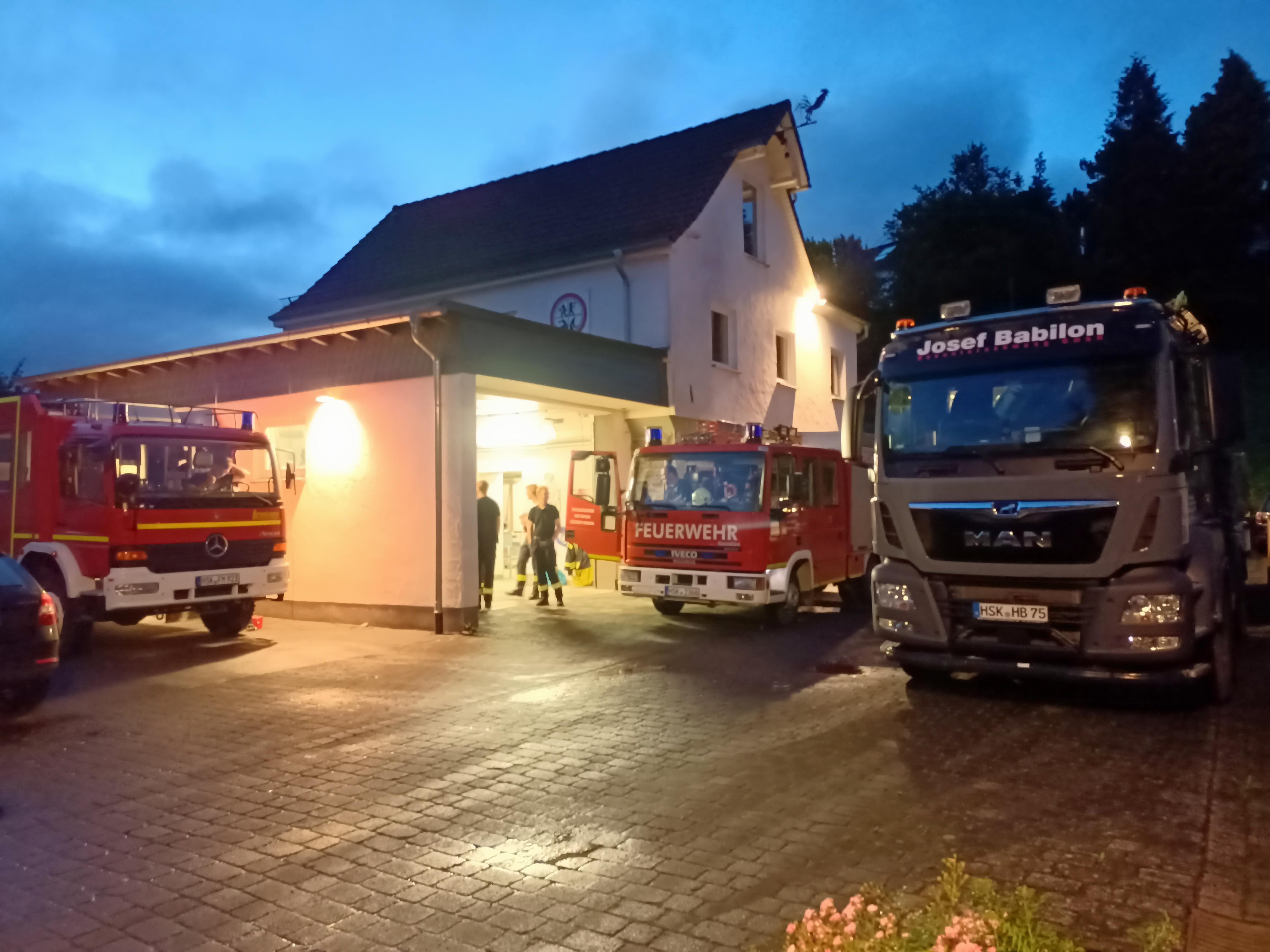Firma Babilon unterstützte am Feuerwehrhaus der Löschgruppe Wennemen